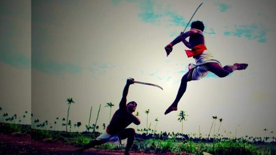 kalaripayattu sword fighting practice